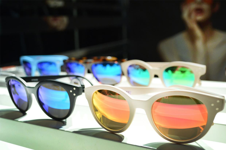 Spektre gli occhiali da sole per l 39 estate 2013 tweedot blog - Occhiali da sole specchiati spektre ...