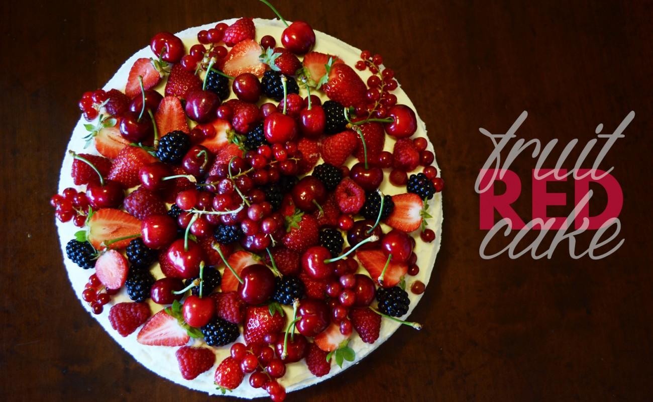 Nuove idee per una torta decorata alla frutta tweedot for Decorazioni per torta 60 anni