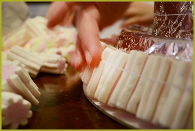 Tweedot blog magazine - finta torta di caramelle per bambini e feste