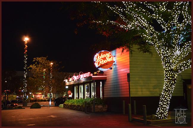 Tweedot blog magazine - Johnny Rockets Los Angeles ristorante cult hamburger e shakes anni 50