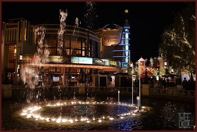 Tweedot blog magazine - The Grove Los Angeles Christmas fountain