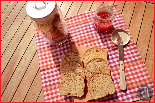 Tweedot blog magazine - colazione sana con fette biscottate integrali fatte in casa