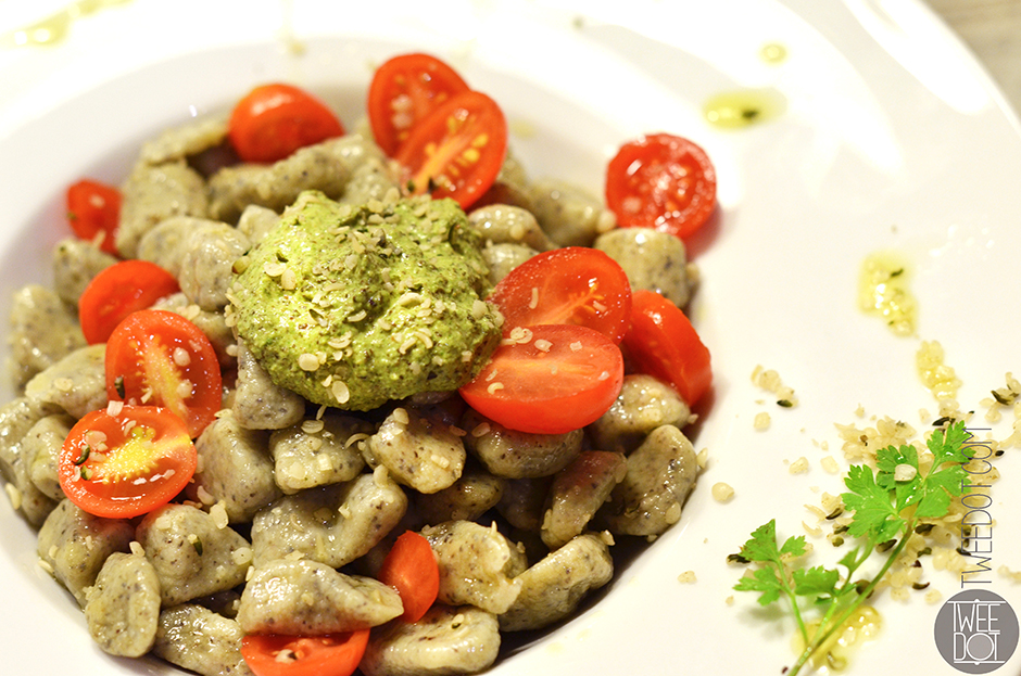 Tweedot blog magazine - Italian hemp gnocchi home made with organic hemp pesto