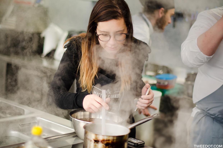 Tweedot - Laura Manente a Scuola di Cucina dallo Chef di Hell's Kitchen Matteo Grandi