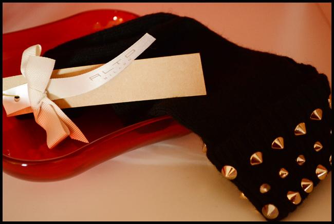 Tweedot blog magazine - Alto Milano calzini con borchie