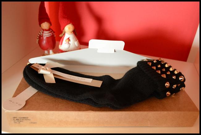 Tweedot blog magazine - Alto Milano cashmere socks pack