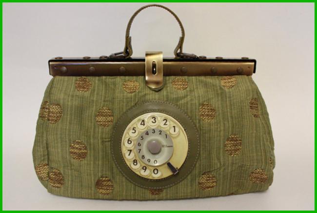 Tweedot blog magazine - Doctor Phone Bag Easy by La Tilde Italian design