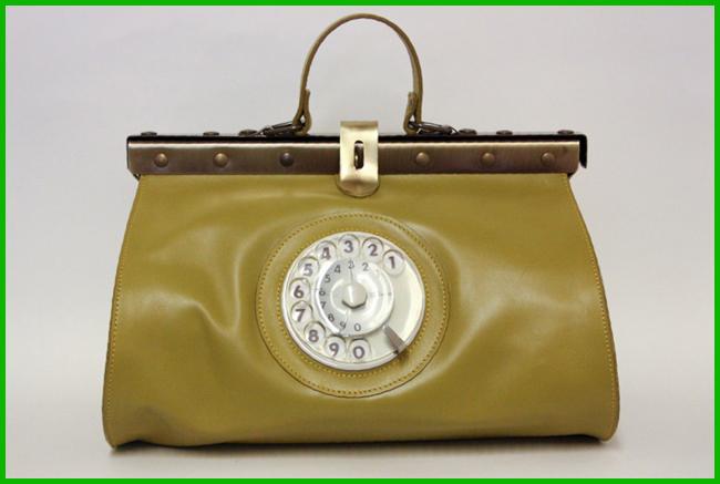 Tweedot blog magazine - Doctor Phone Bag La Tilde original leather Made in Italy