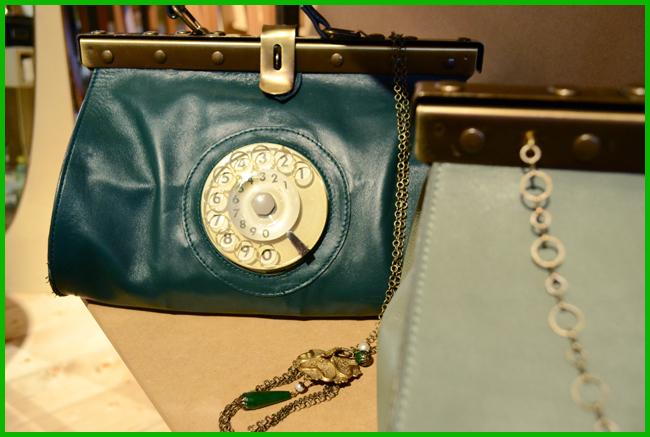 Tweedot blog magazine - Doctor bag di La Tilde borsa con numeratore telefonico