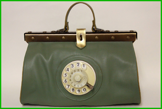 Tweedot blog magazine - La Tilde Doctor Phone Bag