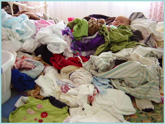 Tweedot blog magazine - vestiti in disordine - clothes chaos