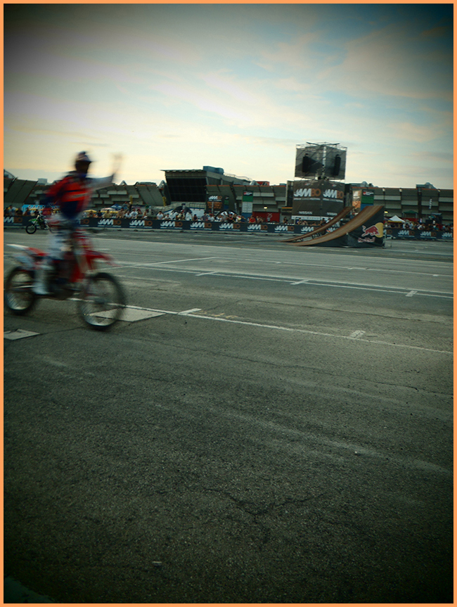 Tweedot blog magazine - FMX sfide a The JamBO 2013