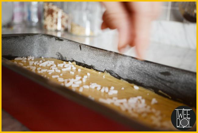 Tweedot blog magazine - how to make an Italian ricotta plum cake
