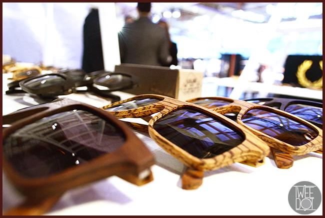 Tweedot blog magazine - accessori uomo autunno inverno 2014 occhiali da sole in legno