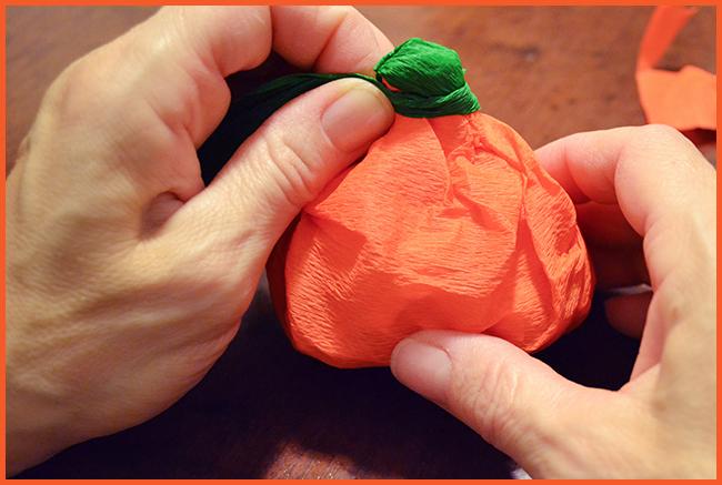 Tweedot blog magazine - porta caramelle a forma di zucca per halloween