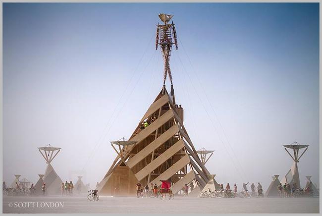 Tweedot blog magazine - Scott London photographer Burning Man Nevada Desert