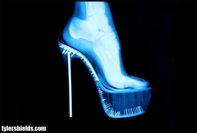 Tweedot blog magazine - Tyler Shields photo X Ray Stiletto - The Dirty Side of Glamour