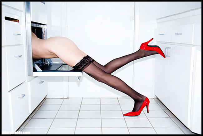 Tweedot blog magazine - Tyler Shields photographer - Oven