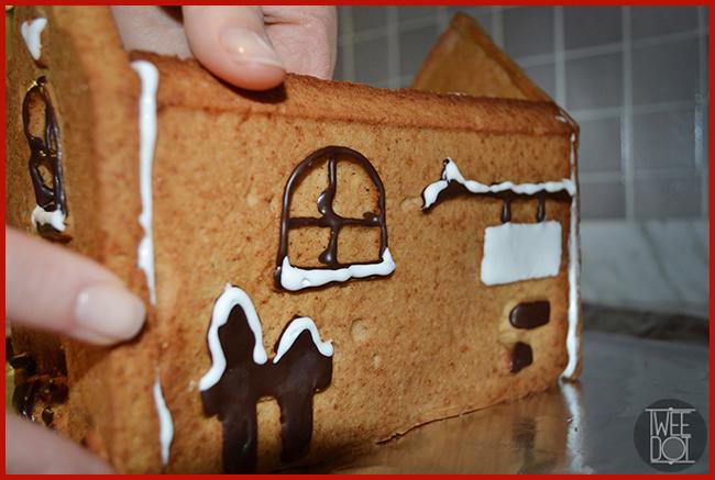 Tweedot blog magazine - fare in cucina la casetta natalizia di pan di zenzero