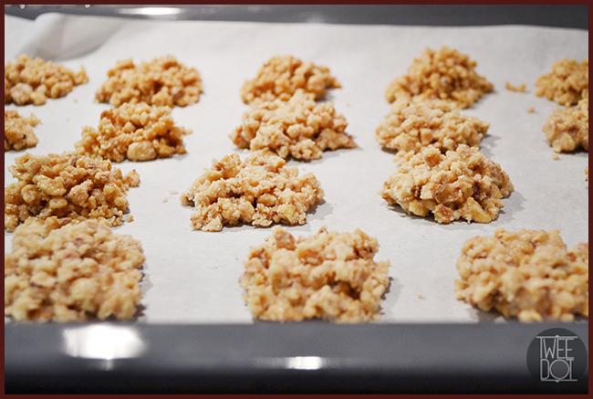 Tweedot blog magazine - ricetta rivisitata dei biscottini brutti ma boni adatti alle feste