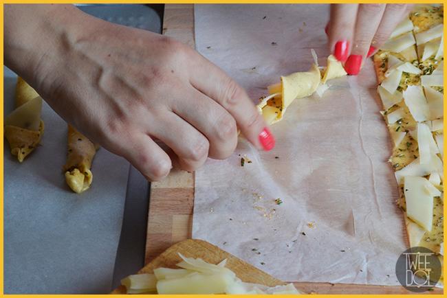 Grissini a spirale con composta piccante e formaggio - Tweedot blog magazine