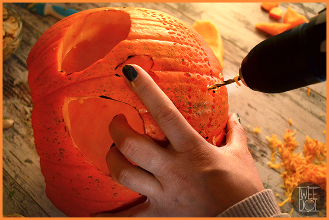 Tweedot blog magazine - creazioni e decori con il trapano sulle zucche di Halloween