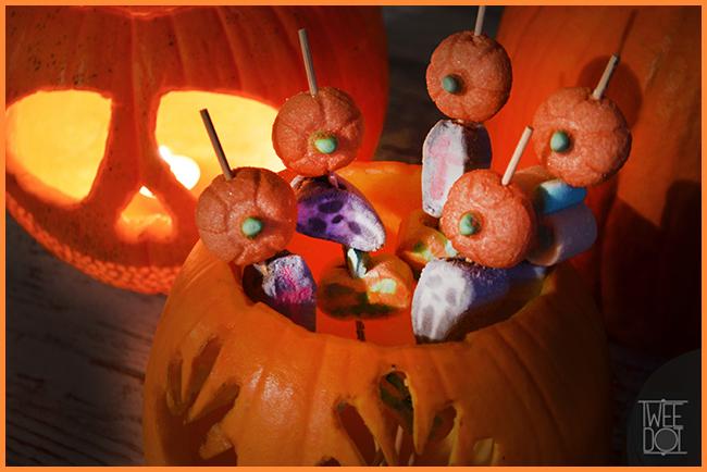 Tweedot blog magazine - marshmallows di Halloween - zucca lapide croce fantasma
