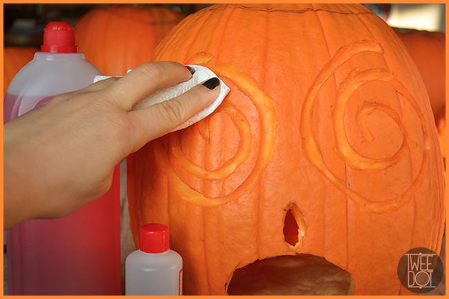 Tweedot blog magazine - trucchetti e consigli su come preparare e far durare le zucche di Halloween